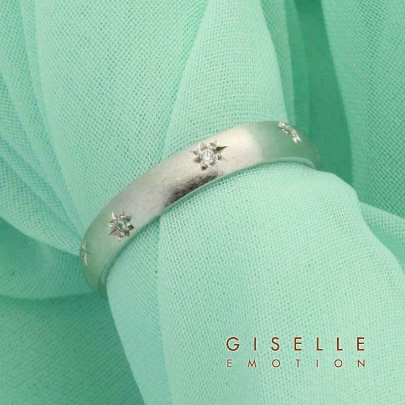プラチナ製ダイヤモンド0.5カラットペアリングの男女セット画像